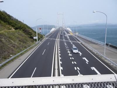 大鳴門橋を上から.jpg
