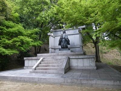 琴陵宥常銅像.jpg