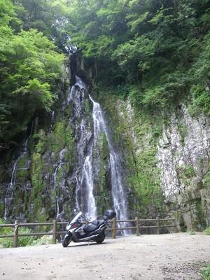 余の滝とコマジェ.jpg