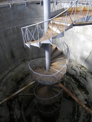 螺旋階段を上から.jpg