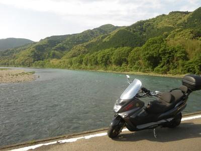 佐田の沈下橋とコマジェ.jpg