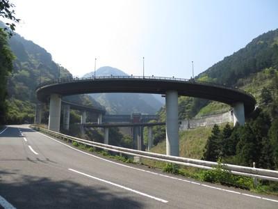 ループ橋&ダム.jpg