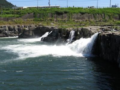 三日月の滝.jpg